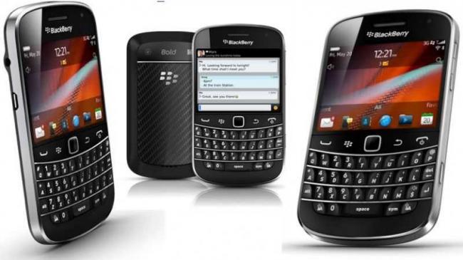 Blackberry-Bold-9900-Pictures.jpg